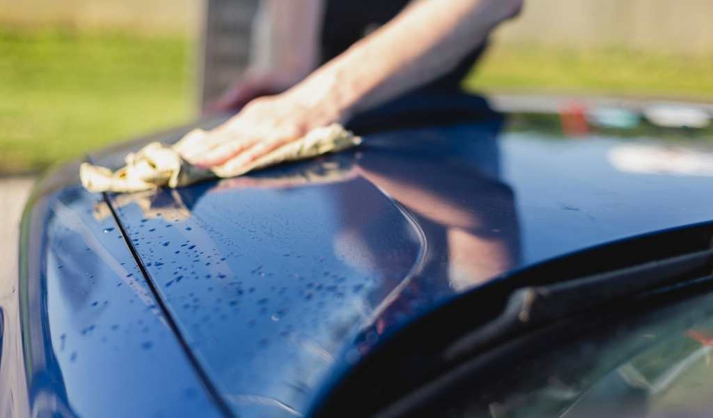 Chamois vs Microfibre Towel: What's Best for Drying Your Car?
